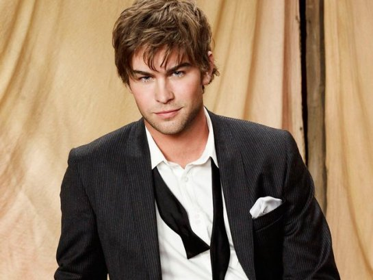 Chace-Crawford-11